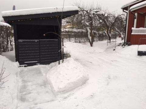 Snö_gård_240118